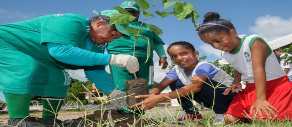 Crianças e moradores da região devem colaborar com a ação. Foto: Marco Antônio/ arquivo Secom Maceió