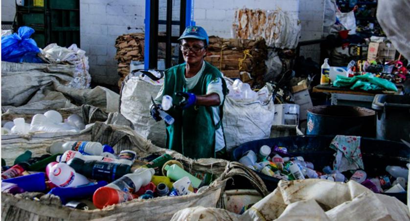 Coleta seletiva gera emprego e renda para centenas de pessoas. Foto: Pei Fon/ Secom Maceió