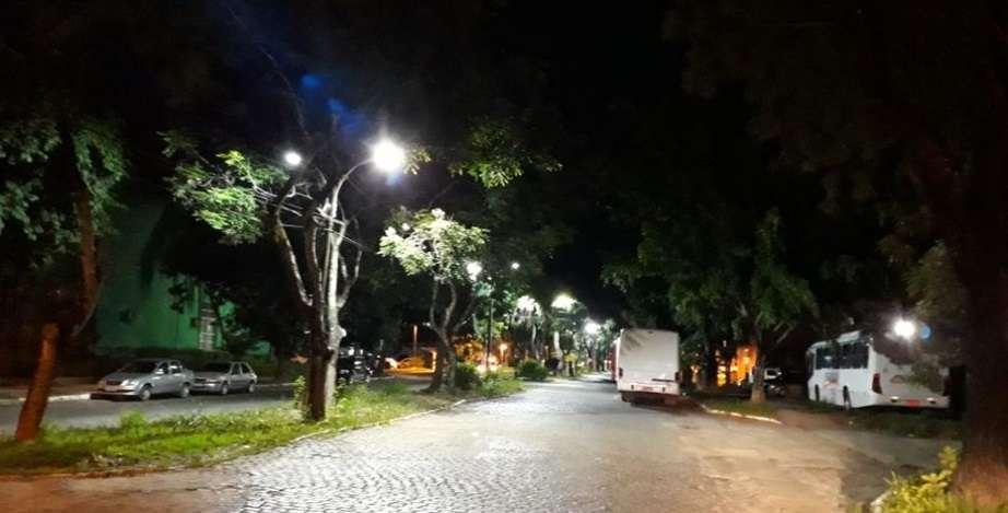 Equipes da Sima estão trabalhando para melhorar a iluminação na Ufal. Foto: Ascom Sima