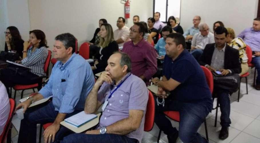 Os principais condutores das pastas municipais lotaram o auditório da Arser, onde puderam tirar dúvidas sobre os temas relacionados a licitações e compras públicas